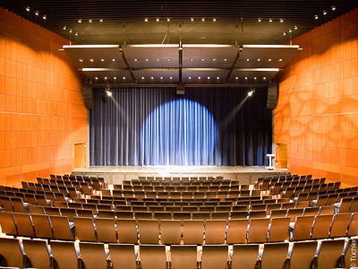 Concert Theatre Coesfeld - Stage curtains, main curtain, dance flooring