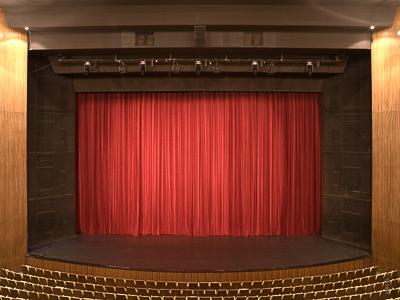 Hauptvorhang, Deutsche Oper Berlin