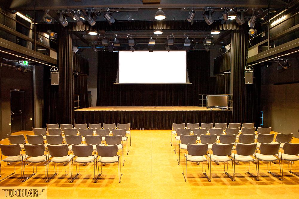 Bad_Radkersburg_Theater_Buehe_Serie_Supferflat-10_1000pix_80dpi
