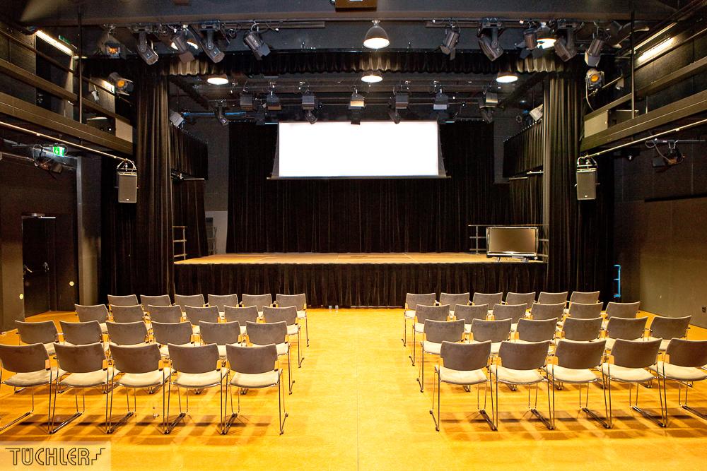 Bad_Radkersburg_Theater_Buehe_Serie_Supferflat-11_1000pix_80dpi