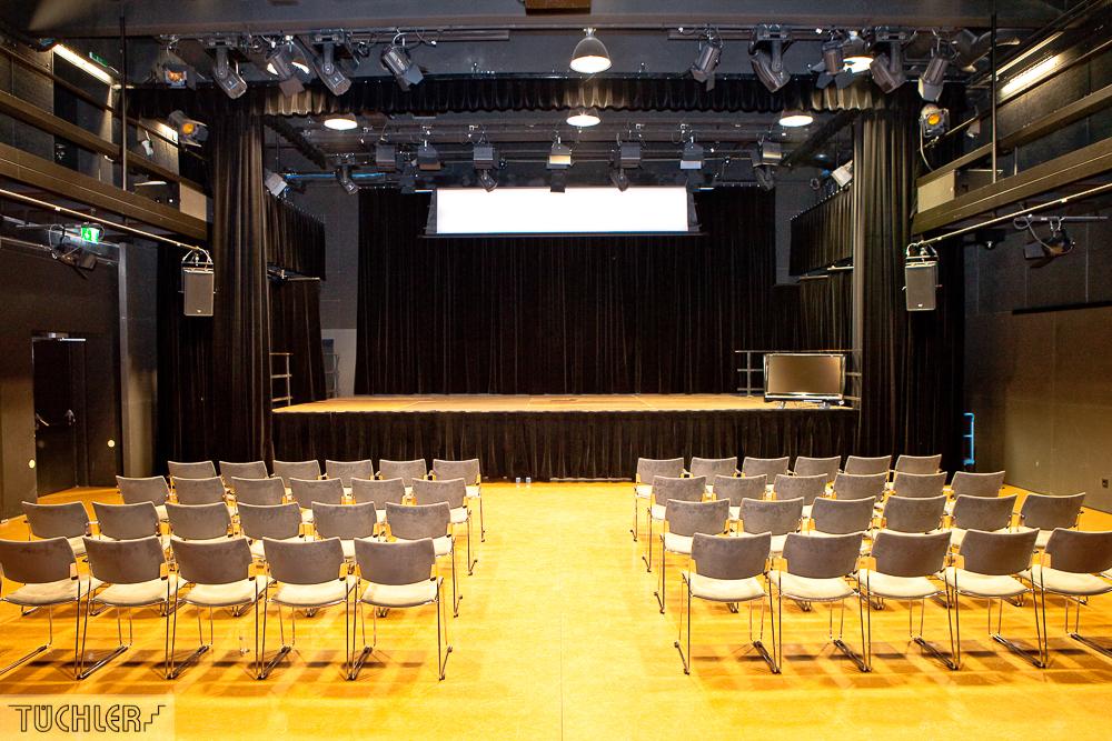 Bad_Radkersburg_Theater_Buehe_Serie_Supferflat-12_1000pix_80dpi