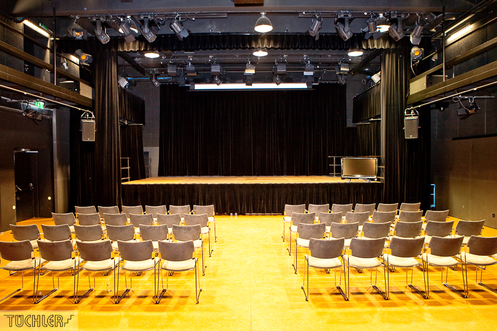Bad_Radkersburg_Theater_Buehe_Serie_Supferflat-13_1000pix_80dpi