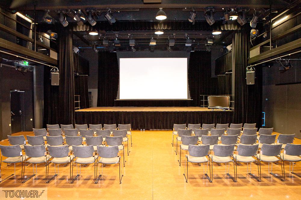 Bad_Radkersburg_Theater_Buehe_Serie_Supferflat-8_1000pix_80dpi