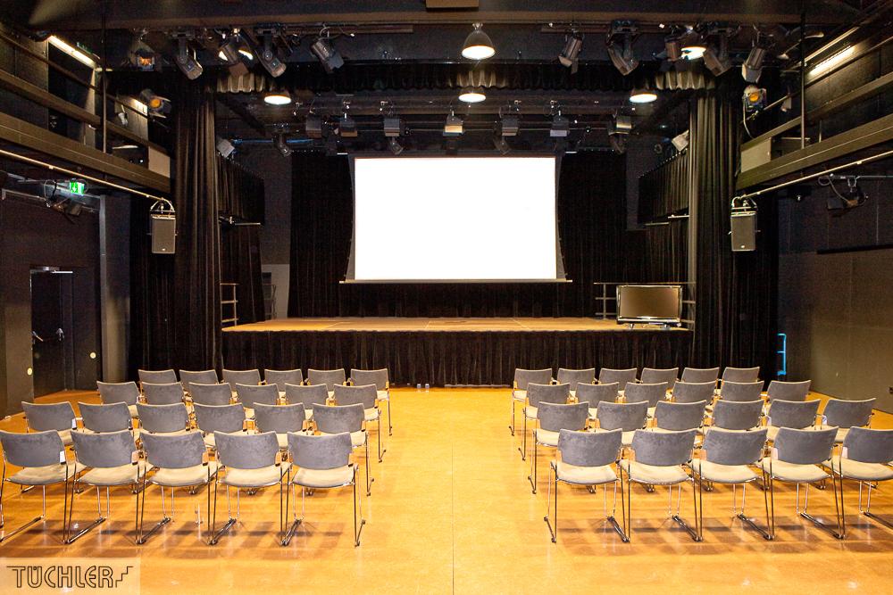 Bad_Radkersburg_Theater_Buehe_Serie_Supferflat-9_1000pix_80dpi