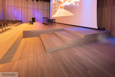 CH_Kaiseraugst_Auditorium _Bühnenpodest_Zoom