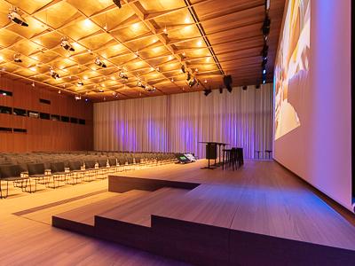 Schweizer Pharmakonzern setzt auf Veranstaltungstechnik von TÜCHLER