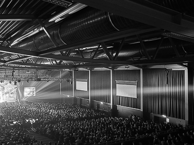 Curtains from Stage Molton for the Sparkassen-Arena Landshut