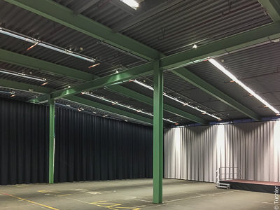 Studio rails and curtains as wall covering for event hall Klosterfrau, Cologne