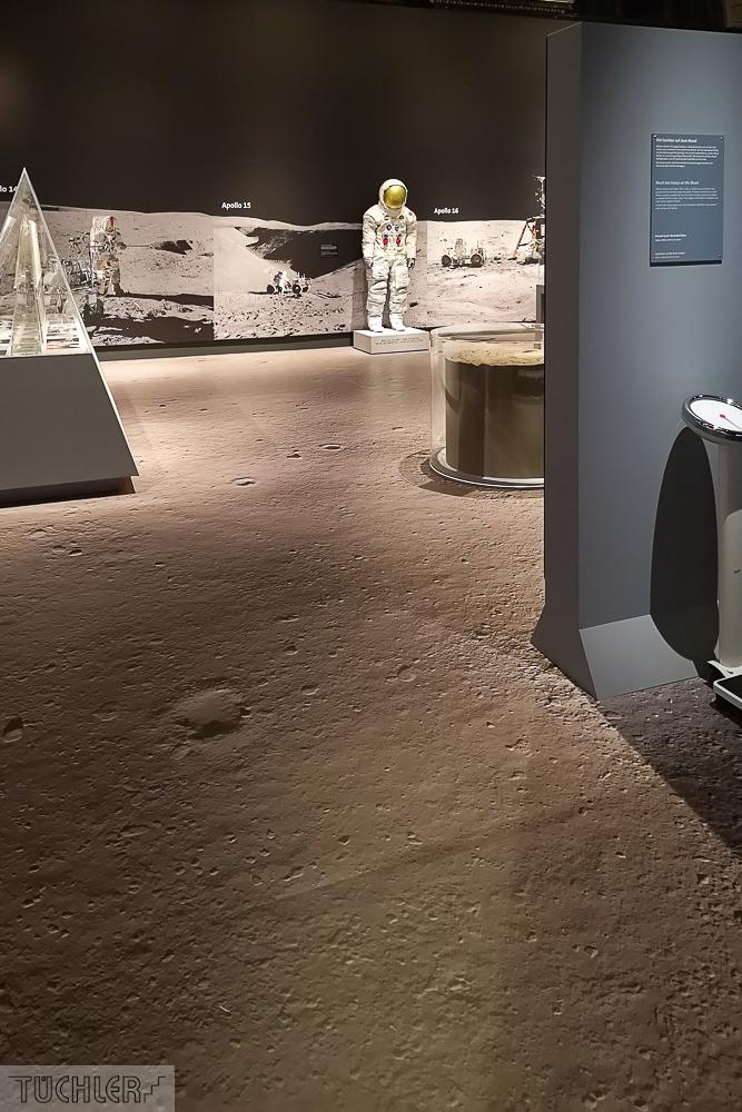AT_Wien_NHM_Mondausstellung mit Mondboden Teil 3_102019_1000pix_80dpi