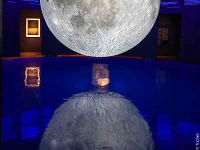 Moon exhibition on glossy and digitally printed floors, Museum of Natural History Vienna