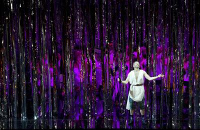 Theater an der Wien, Bühnenbild mit Folienstreifenvorhang NIAGARA XL