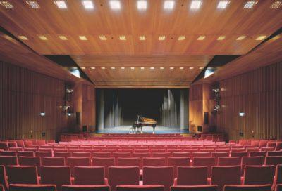 Kulturzentrum-Kornwestheim: Bühnenvorhänge und Vorhangschienen