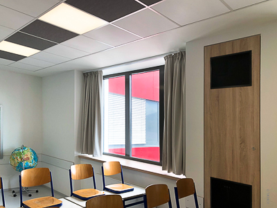Blackout curtains for the school classes of the Hermann-Staudinger-Gymnasium Erlenbach / Miltenberg