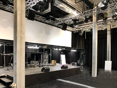 Free Chruch GvC in the TownVillage Winterthur - stage platforms, acoustic curtains and room separation curtains